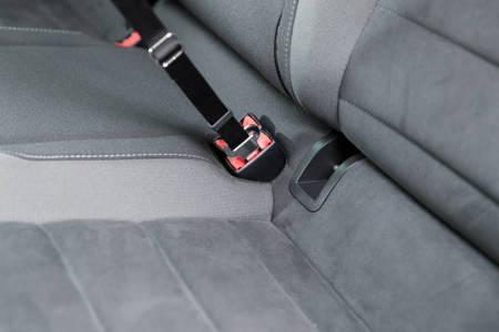 Smycz samochodowa do pasów bezpieczeństwa dla średnich i dużych psów 30 mm/45-70 cm