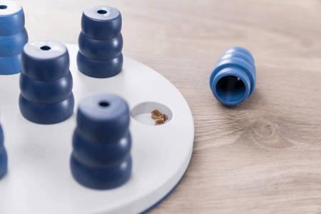 Zabawka w szukanie smakołyków pod stożkami Gra strategiczna dla psa